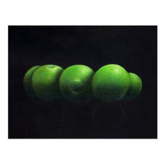 Cinco manzanas verdes postal