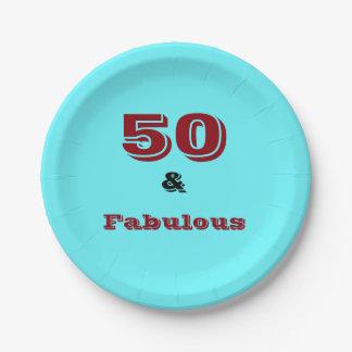 Cincuenta y logotipo fabuloso en la placa de papel plato de papel