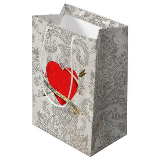 Cinta 1901 y flecha de Heartwith de la tarjeta del Bolsa De Regalo Mediana