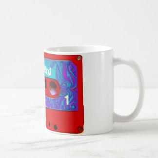 Cinta de casete audio retra roja taza de café