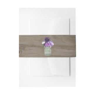 Cintas Para Invitaciones La púrpura florece el boda de madera rústico del