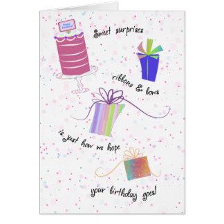 Cintas y saludo feliz del cumpleaños de los arcos tarjeta de felicitación