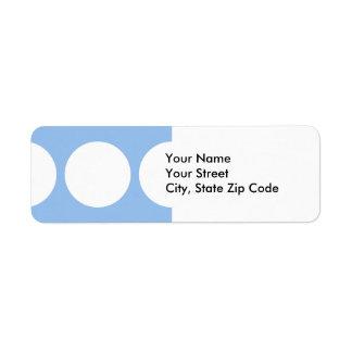 Círculos blancos en etiqueta azul clara del remite etiquetas de remite