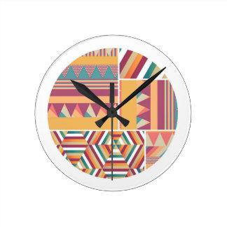 Círculos del color reloj redondo mediano