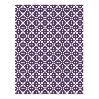 Ciruelo violeta oscuro y modelo blanco postal