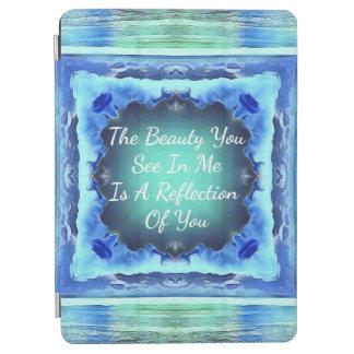 Cita de la reflexión de la belleza del azul real cubierta de iPad air