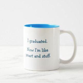 Cita divertida de la graduación de la materia del taza de café de dos colores