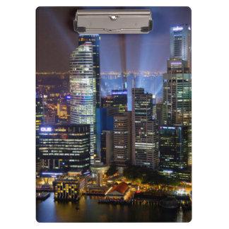 Ciudad céntrica de Singapur en la noche