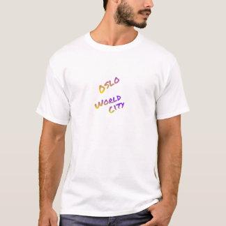 Ciudad del mundo de Oslo, arte colorido del texto Camiseta