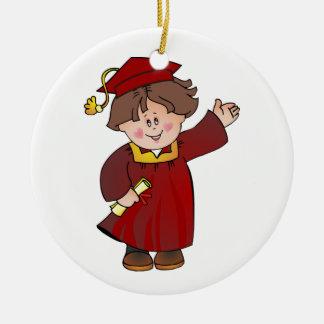 Clase graduada de trajes rojos del muchacho adorno redondo de cerámica