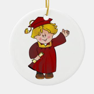 Clase graduada de trajes rojos del muchacho rubios adorno redondo de cerámica