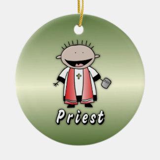 Clero religioso del sacerdote del empleo adorno navideño redondo de cerámica