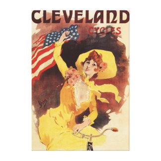 Cleveland monta en bicicleta al chica americano en lienzo envuelto para galerías