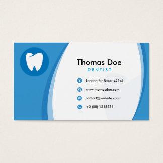 Clínica dental del dentista azul con el logotipo tarjeta de visita