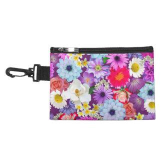 Clip en bolsa en la impresión floral del collage