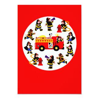 Coche de bomberos con los bomberos ocupados invitación 12,7 x 17,8 cm