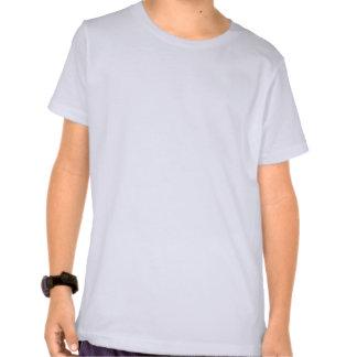 Coche de carreras azul con la bandera a cuadros camiseta