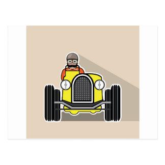coche de carreras del vintage con el conductor postal