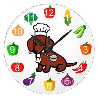 Cocinero cabelludo liso rojo del Dachshund Reloj Redondo Grande