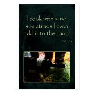 Cocinero con el vino postal
