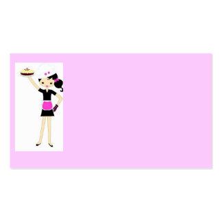 Cocinero de sexo femenino con la torta tarjetas de visita