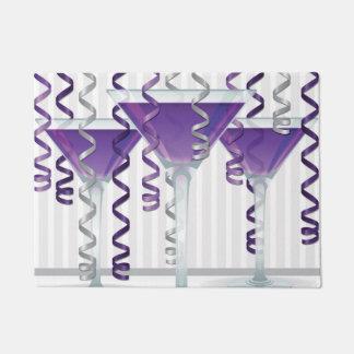 Cóctel y cinta púrpuras