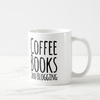 Coffe, libros, y taza de café blogging