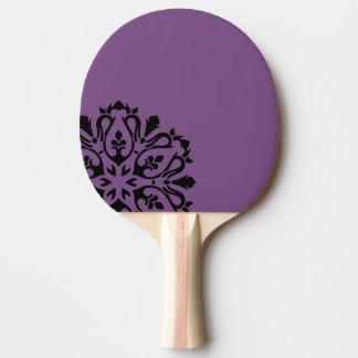 Cohete deportivo con la mandala/la púrpura pala de ping pong
