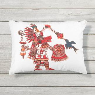 Cojín De Exterior Guerrero azteca del shaman del baile