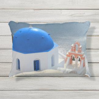 Cojín De Exterior Iglesia de Santorini por la tarde Sun