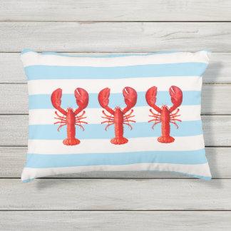 Cojín De Exterior Rayas náuticas azules y blancas y langostas rojas
