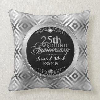 Cojín Decorativo 25ta plantilla geométrica de plata elegante del