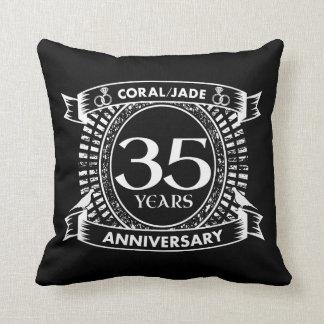 Cojín Decorativo 35to escudo coralino del jade del aniversario de