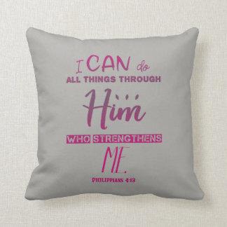 Cojín Decorativo 4:13 de los filipenses - puedo hacer todas las