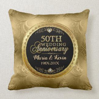 Cojín Decorativo 50.a plantilla atractiva del boda del oro