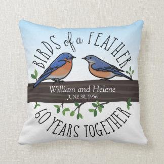 Cojín Decorativo 60.o Aniversario de boda, Bluebirds de una pluma