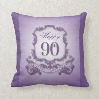 Cojín Decorativo 90.o Celebración del cumpleaños con el mensaje