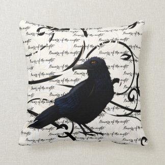 Cojín Decorativo Almohada-Cuervo del tiro de Halloween