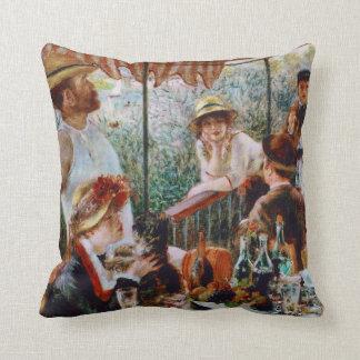 Cojín Decorativo Alumerzo del fiesta del canotaje por Renoir