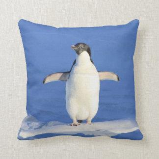 Cojín Decorativo Amortiguador azul del iceberg del mar del pingüino