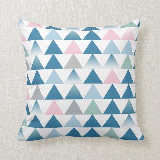 Cojín Decorativo Amortiguador rosado azul de los triángulos