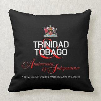 Cojín Decorativo Aniversario feliz de la independencia T&T