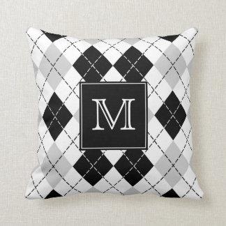 Cojín Decorativo Argyle blanco y negro gris con monograma