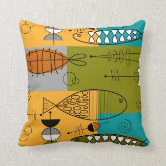 Cojín Decorativo Arte caprichoso II de los pescados de los mediados