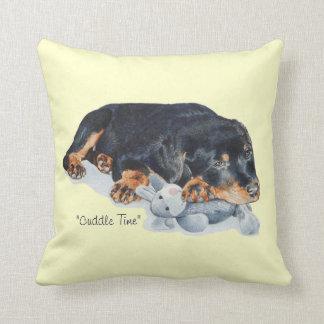 Cojín Decorativo arte de abrazo lindo del oso de peluche del perro