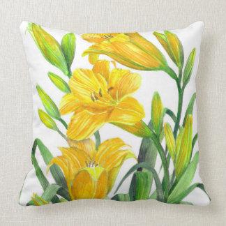 Cojín Decorativo Arte floral amarillo de los lirios de día de la