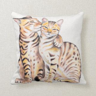 Cojín Decorativo Arte lindo de la acuarela de dos gatos de Bengala