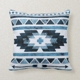 Cojín Decorativo Azteca azul del Grunge tribal