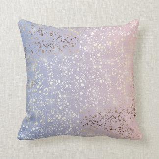 Cojín Decorativo Azul de la serenidad del cuarzo color de rosa de