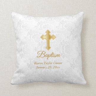 Cojín Decorativo Bautismo blanco del damasco y del oro
